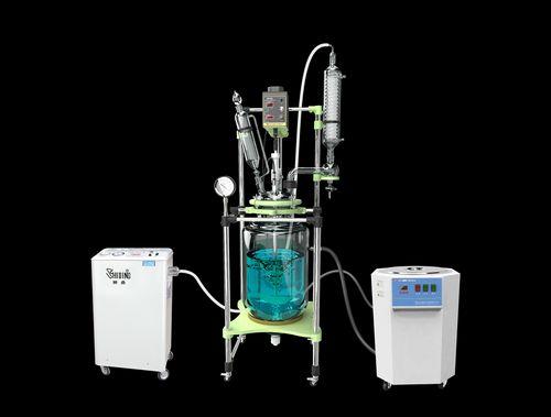 循环水真空泵为反应釜抽真空