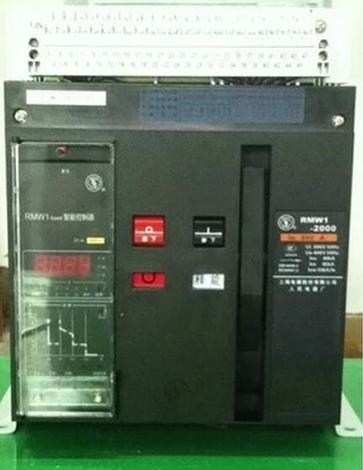 低压断路器也称为自动空气开关,可用来接通和分断负载电路,也可用